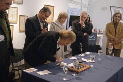 Magdalena Figari matasellando