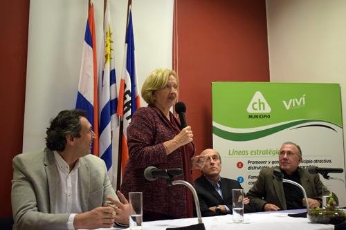 Ministra Muñoz haciendo uso de la palabra