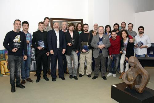 Ganadores de los premios, jurado y autoridades MEC
