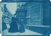 Juana Reissig de Buxareo junto a Julia