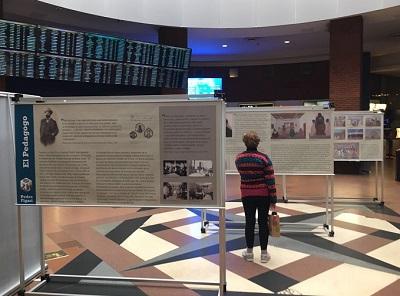 Exhibición en el hall de la terminal Tres Cruces