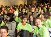 niños en entrega de premios Unesco